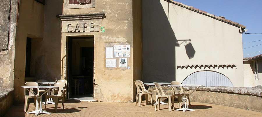 visit castillon du gard medieval village. Black Bedroom Furniture Sets. Home Design Ideas