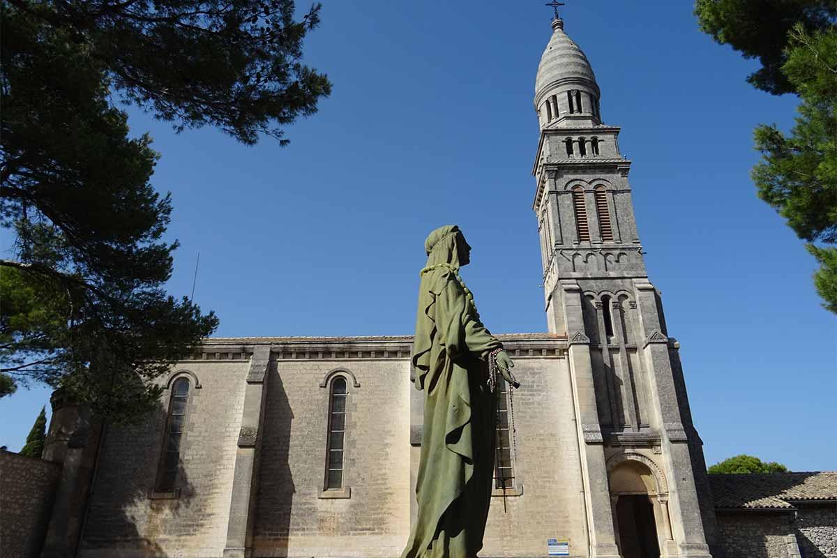 Orgon & la chapelle Notre-Dame de Beauregard | Photos Horizon Provence