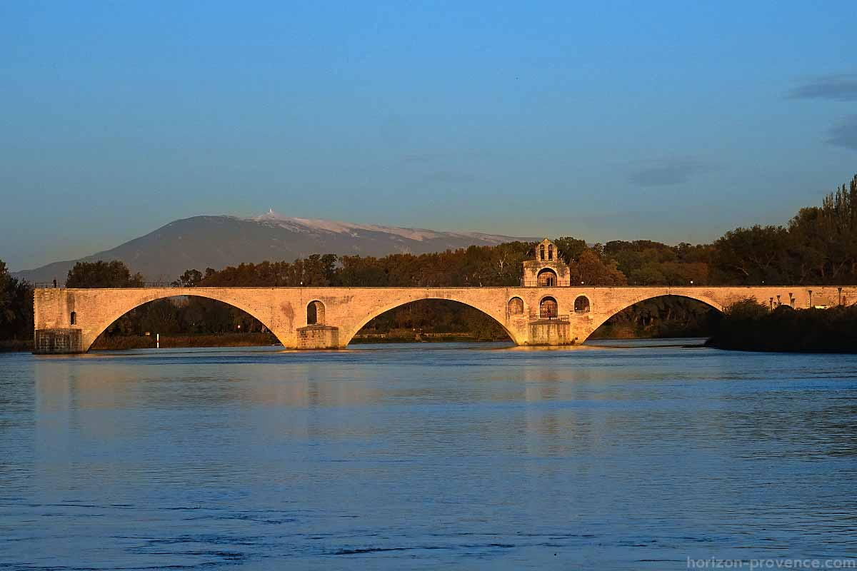 The Pont D Avignon And Saint Benezet Horizon Provence