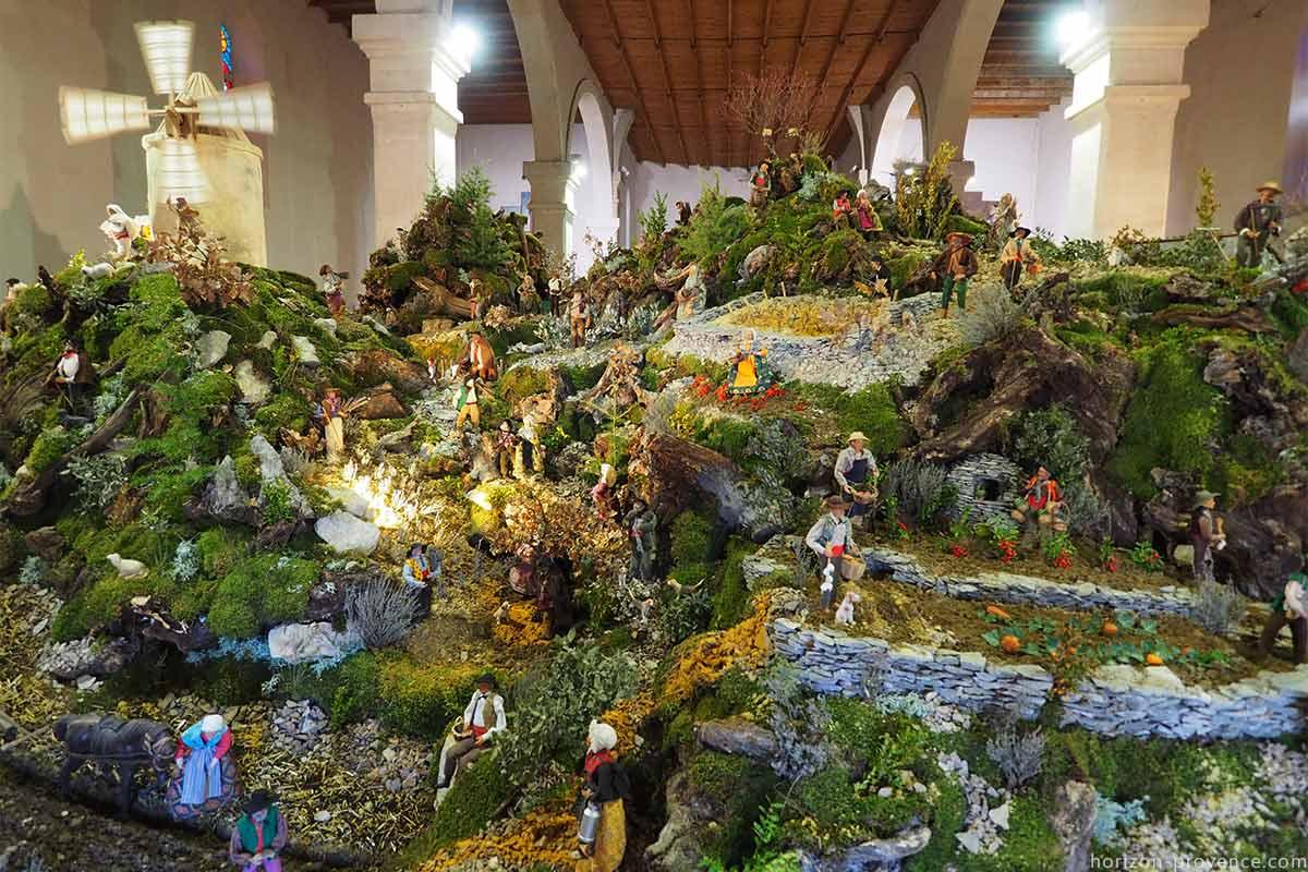 Crèche de Noël à Banon en Provence © VF
