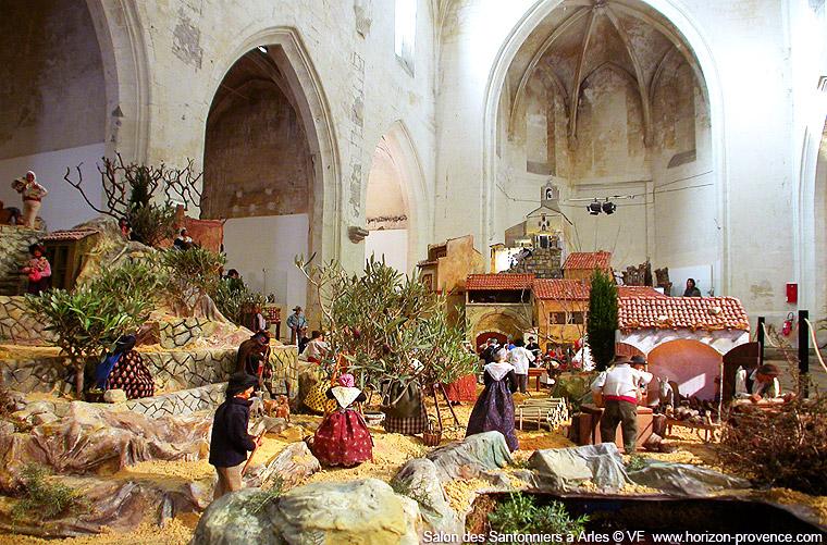 Salon des santonniers à arles